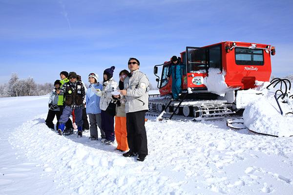ゴンドラリフトと雪上車で楽しむ雪原遊覧ツアー 【野沢温泉スキー場】